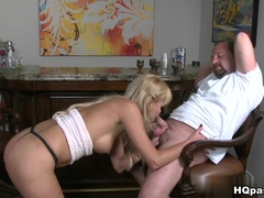 Hot Shaved Mom Gives A Brilliant Blow